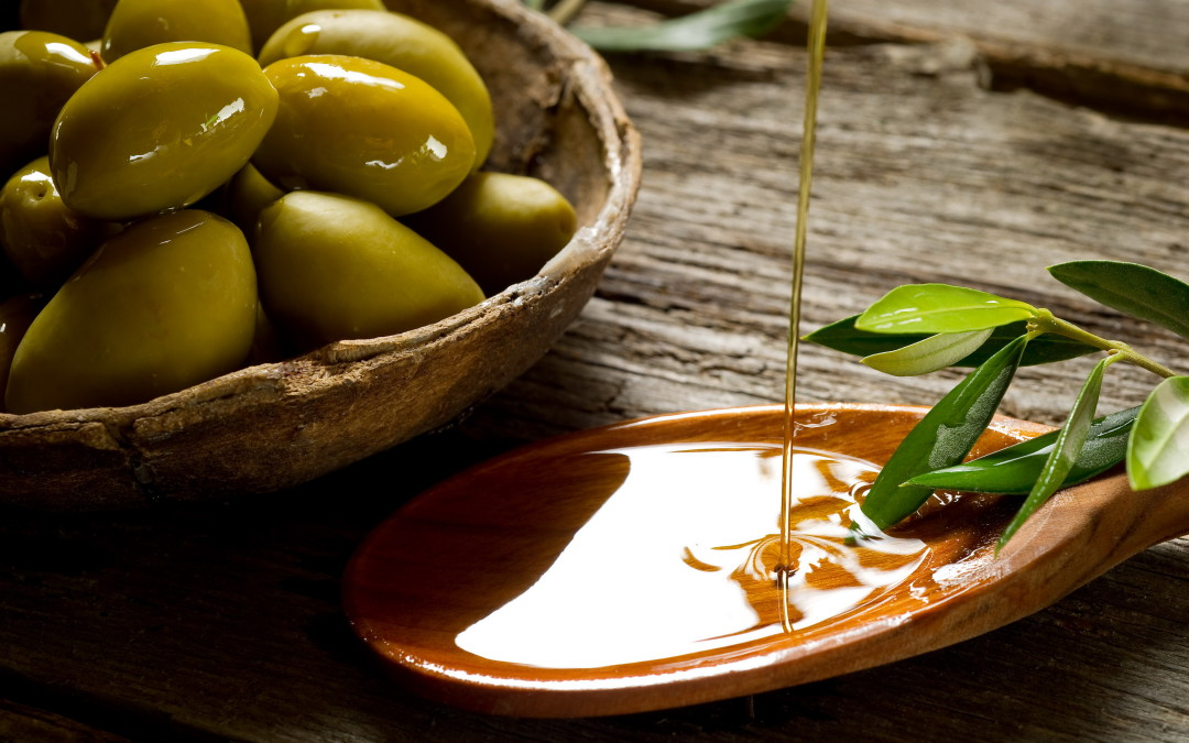 La Junta convoca la decimoséptima edición de la cata-concurso de aceites de oliva virgen extra Extrema Selección 2016