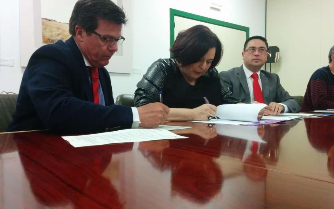 Junta y La Caixa renuevan un convenio de integración laboral a través de proyectos medioambientales